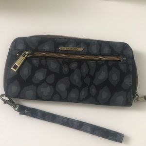 Travelon RFID blocking wallet like new